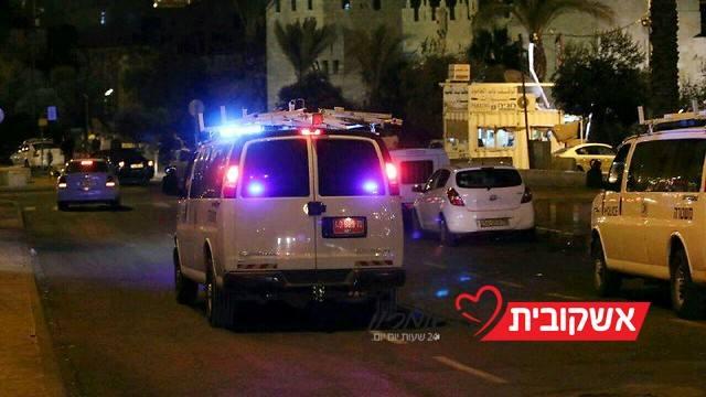 כוח משטרתי חש לפיזור התפרעות בבירה (צילום: דוברות המשטרה)